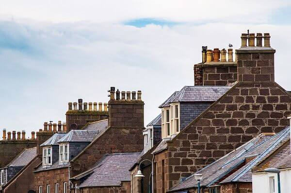 houses with numerous chimneys